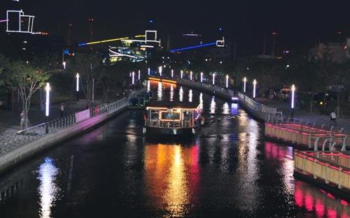 포항운하 불빛투어 유람선 매일 운항…연말까지 이용료 할인
