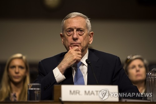 (LEAD) Mattis departs for S. Korea on first overseas trip aimed at reaffirming alliance - 1