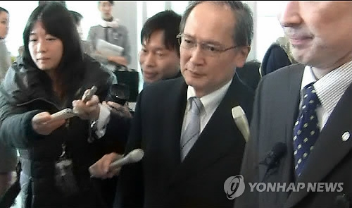 (2nd LD) Japanese envoy recalled home over statue dispute to return to Seoul: official
