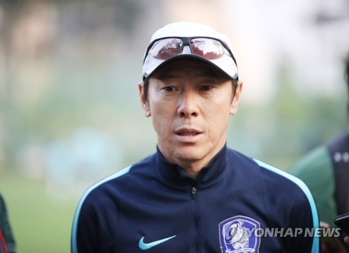 In this file photo taken on May 28, 2017, South Korean football coach Shin Tae-yong speaks to reporters in Cheonan, South Chungcheong Province. (Yonhap)