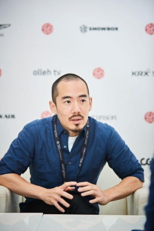 (Yonhap Interview) American director challenges Japanese right wing with 'comfort women' docu