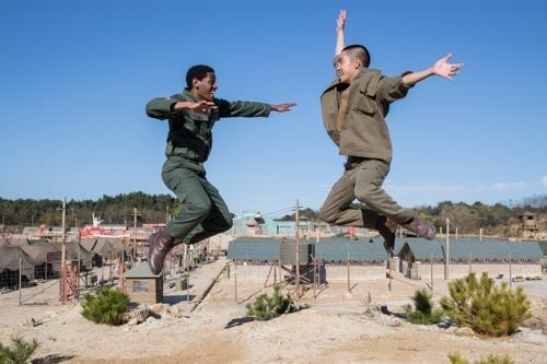 "This image of a dance scene by Do Kyung-soo (R) and Jared Grimes from ""Swing Kids"" was provided by the film's distributor, Next Entertainment World. (Yonhap)"