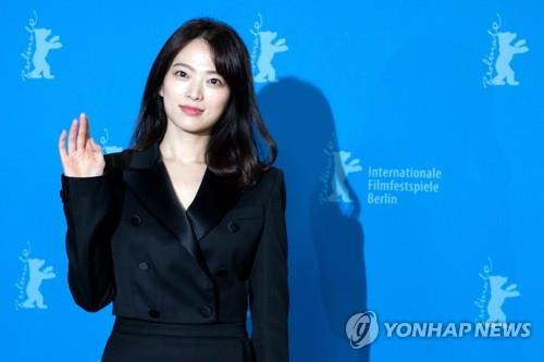 This photo, distributed by Agence France-Presse, shows actress Chun Woo-hee posing for photos during an event at the Berlin International Film Festival on Feb. 14, 2019. (Yonhap)