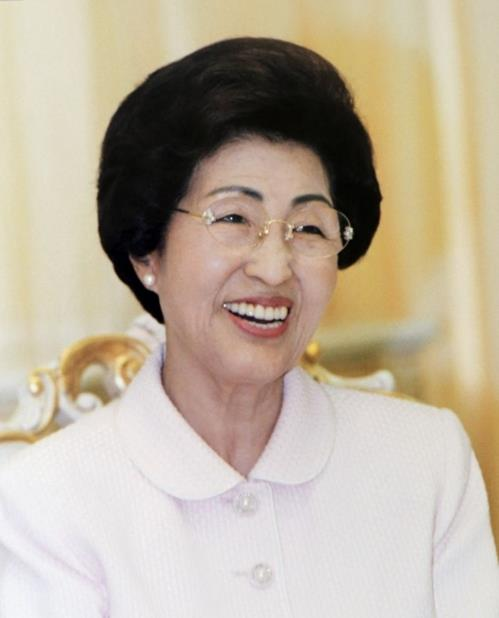 This photo, provided by the Kim Dae Jung Peace Center, shows former first lady Lee Hee-ho. (Yonhap)