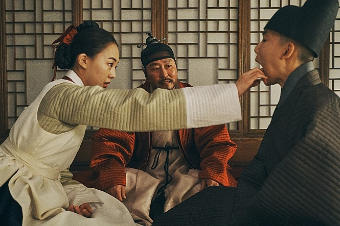 "Provided by Megabox Plus M, this image shows a scene from ""The King's Letters."" (Yonhap)"