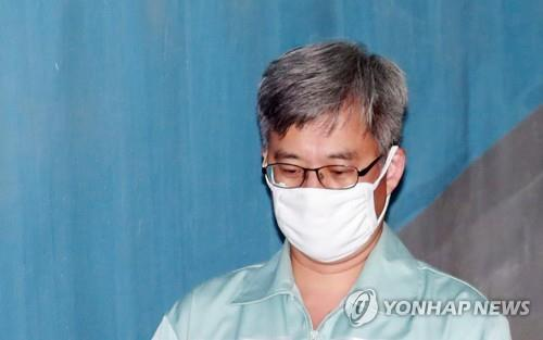 This file photo shows convicted power blogger Kim Dong-won. (Yonhap)