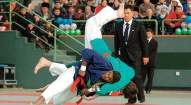 This undated file photo shows a kurash competition. (Yonhap)