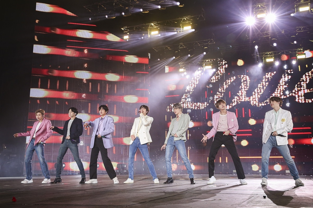 "This image of BTS during the ""Love Yourself: Speak Yourself"" tour finale concert at Seoul Olympic Stadium on Oct. 29, 2019, is provided by Big Hit Entertainment. (PHOTO NOT FOR SALE) (Yonhap)"