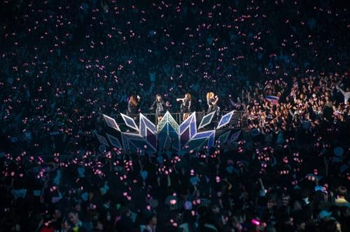 BLACKPINK cheered by 55,000 fans at Tokyo Dome concert