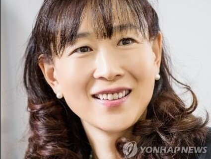 (LEAD) 'Mermaid of Asia' named second vice culture-sports minister