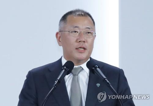 (LEAD) Hyundai heir apparent buys stocks to boost prices