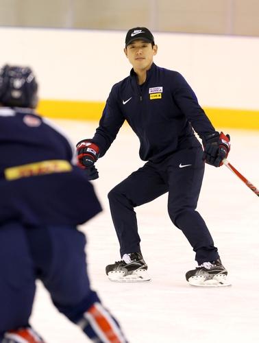 Yonhap Interview Korean American Hockey Coach Sam Kim Rides Work Ethic To Nhl Job Yonhap News Agency