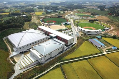 This photo, provided by the LG Twins on Jan. 14, 2021, shows the club's minor league training facility, LG Champions Park in Icheon, 80 kilometers south of Seoul. (PHOTO NOT FOR SALE) (Yonhap)