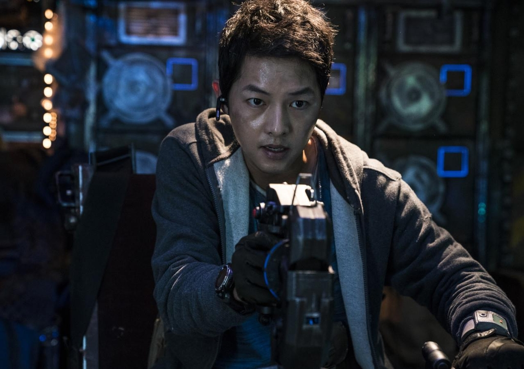 "This image provided by Netflix shows Song Joong-ki in ""Space Sweepers."" (PHOTO NOT FOR SALE) (Yonhap)"