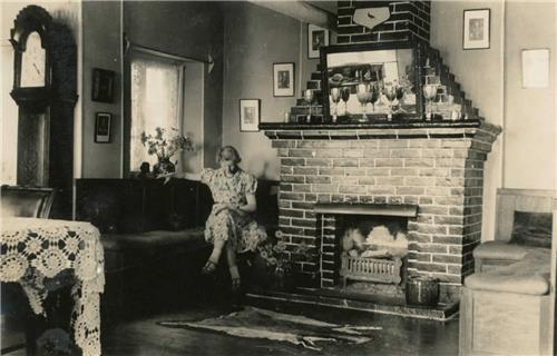 This photo, provided by the Seoul metropolitan government, shows the first floor living room of Dilkusha in the 1920s. (PHOTO NOT FOR SALE) (Yonhap)