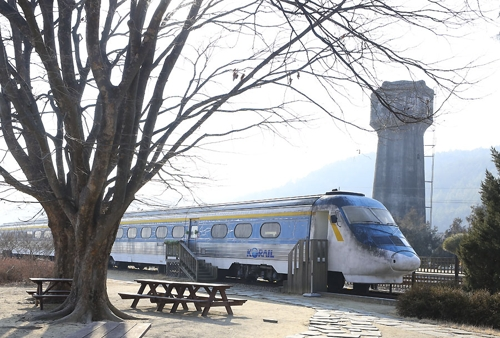 급수탑과 열차 카페 [사진/성연재 기자]