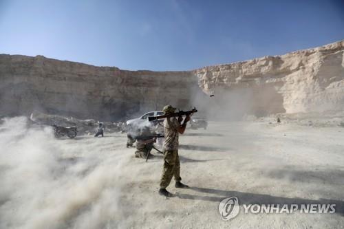 훈련 중인 '시리아 국민군' 병사