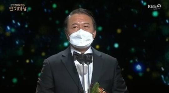 천호진, KBS 연기 대상 3 년 … '한 번 있었어'15 관왕
