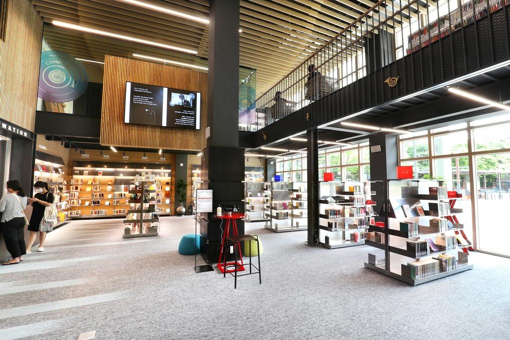 의정부음악도서관 1층과 2층에는 음악 분야를 중심으로 도서 5천여권이 있다. [사진/조보희 기자]