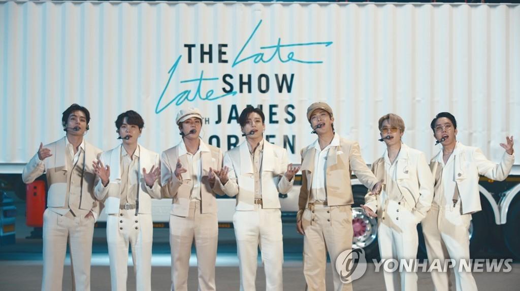 미국 토크쇼 출연한 그룹 방탄소년단(BTS)