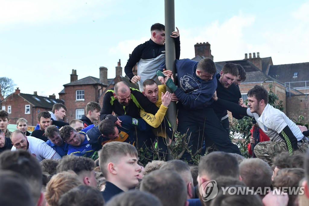 BRITAIN-LIFESTYLE-CULTURE-SPORT-SHROVETIDE