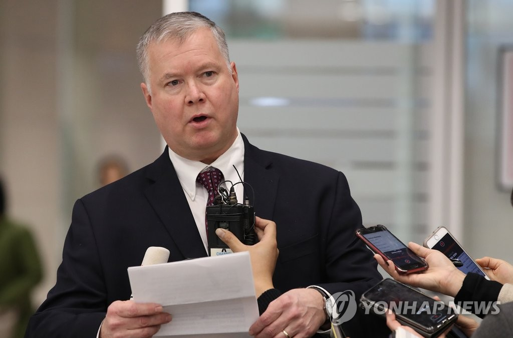 Stephen Biegun, the U.S. special representative on North Korea policy, speaks while meeting with reporters upon his arrival at Incheon International Airport, west of Seoul, on Dec. 19, 2018. (Yonhap)
