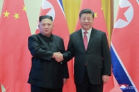 (5th LD) Kim, Xi hold summit talks in Pyongyang