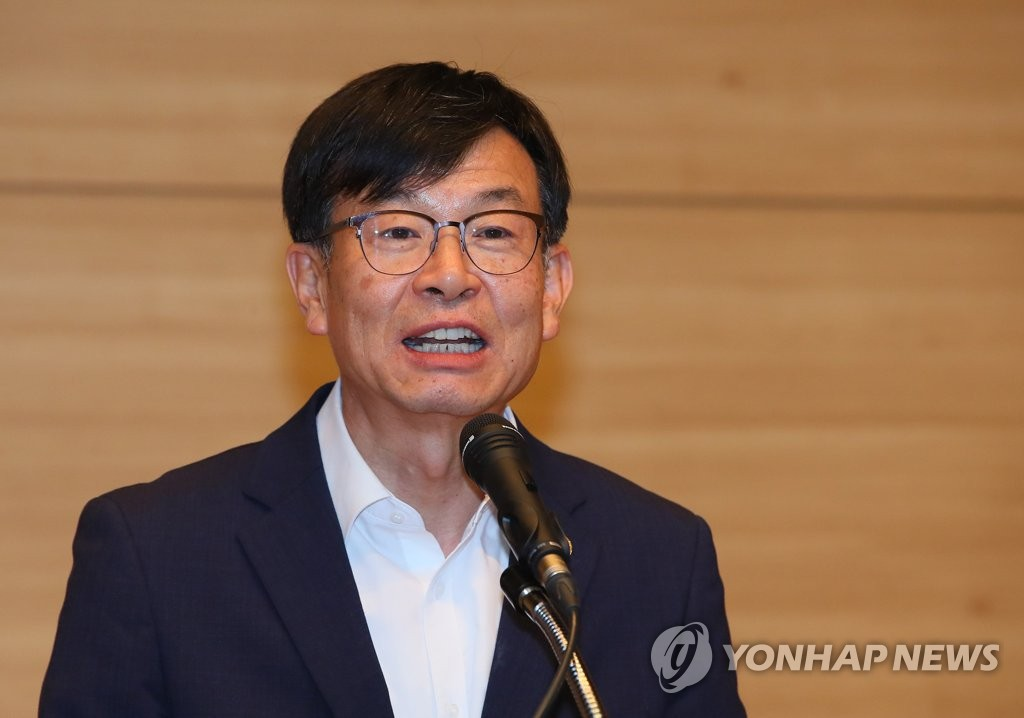 This undated file photo shows Kim Sang-jo, new chief policy secretary for President Moon Jae-in. (Yonhap)