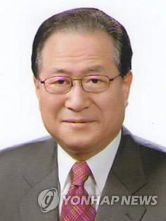 민주평화통일자문회의 수석부의장에 정세현