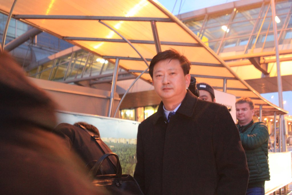 Jo Chol-su, director-general of the North American department at the North's foreign ministry, arrives at an international airport in Moscow on Nov. 5, 2019, to take part in the 2019 Moscow Nonproliferation Conference. (Yonhap)