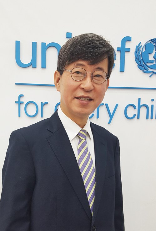 UNICEF Korea chief gives interview