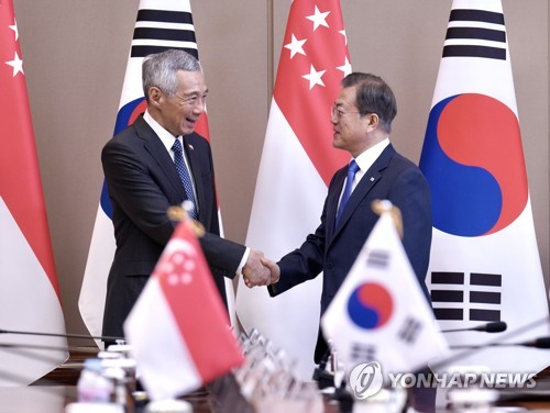(LEAD) S. Korea, Singapore agree to boost ties on smart cities, arms development