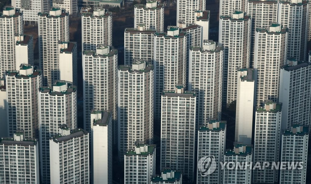 서울 송파구 잠실 롯데월드타워에서 바라본 인근 아파트 단지 모습. [연합뉴스 자료사진]