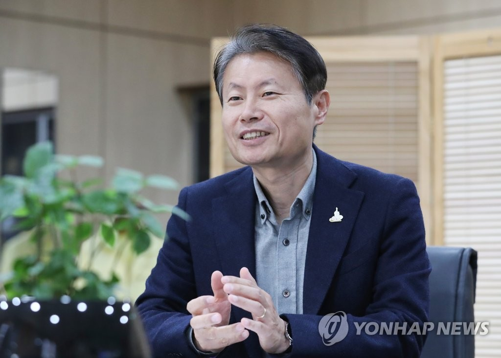 Vice Health Minister Kim Ganglip speaks during an interview with Yonhap News Agency on April 25, 2020. (Yonhap)