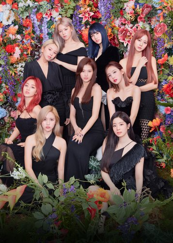 TWICE's new album sweeps iTunes charts